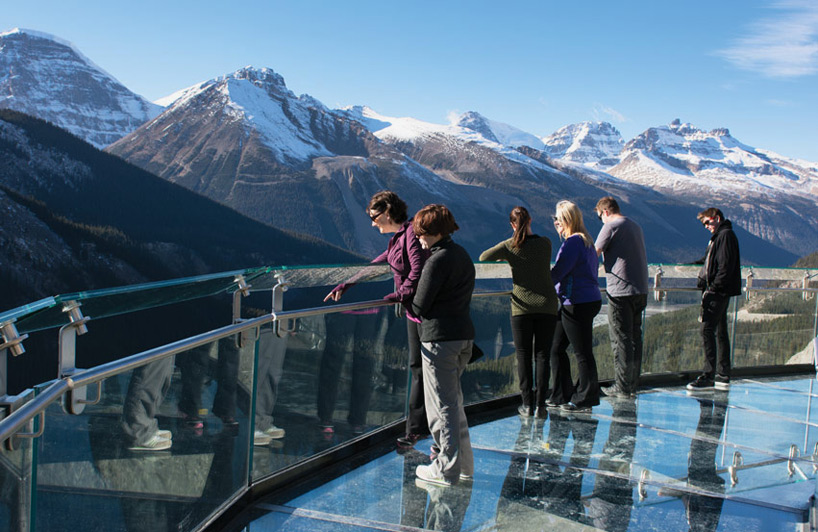 glacier-skywalk-jasper-national-park-canada-designboom-05