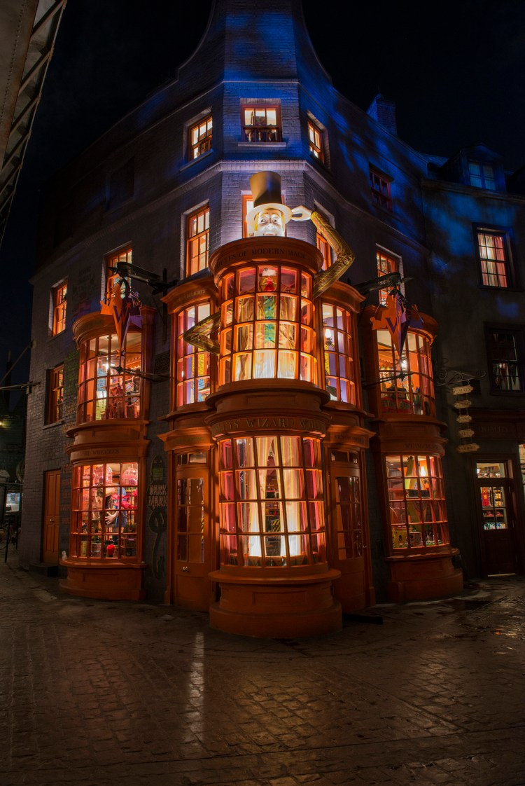 -resources-digitalassets-Diagon_Alley_2_verge_super_wide