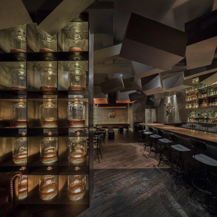 alberto-caiola-the-press-flask-bar-inside-vending-machine-shanghai-china-designboom-04