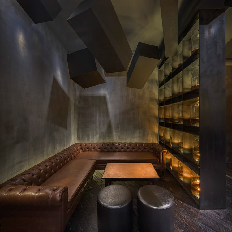 alberto-caiola-the-press-flask-bar-inside-vending-machine-shanghai-china-designboom-05