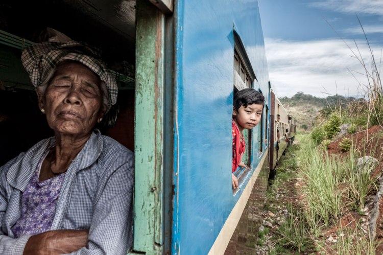 smithsonian-photo-contest-train-view