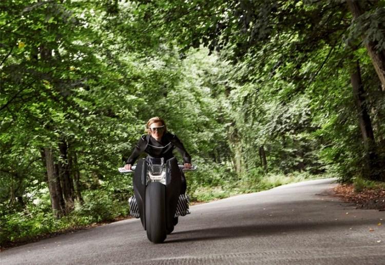 bmw-motorrad-vision-next-100-mossandfog04