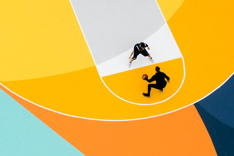 gue-basketball-court-alessandria-italy-moss-and-fog-4