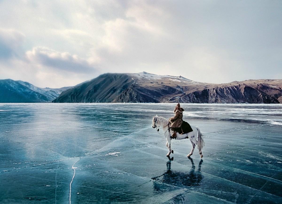 lake_baikal_in_winter