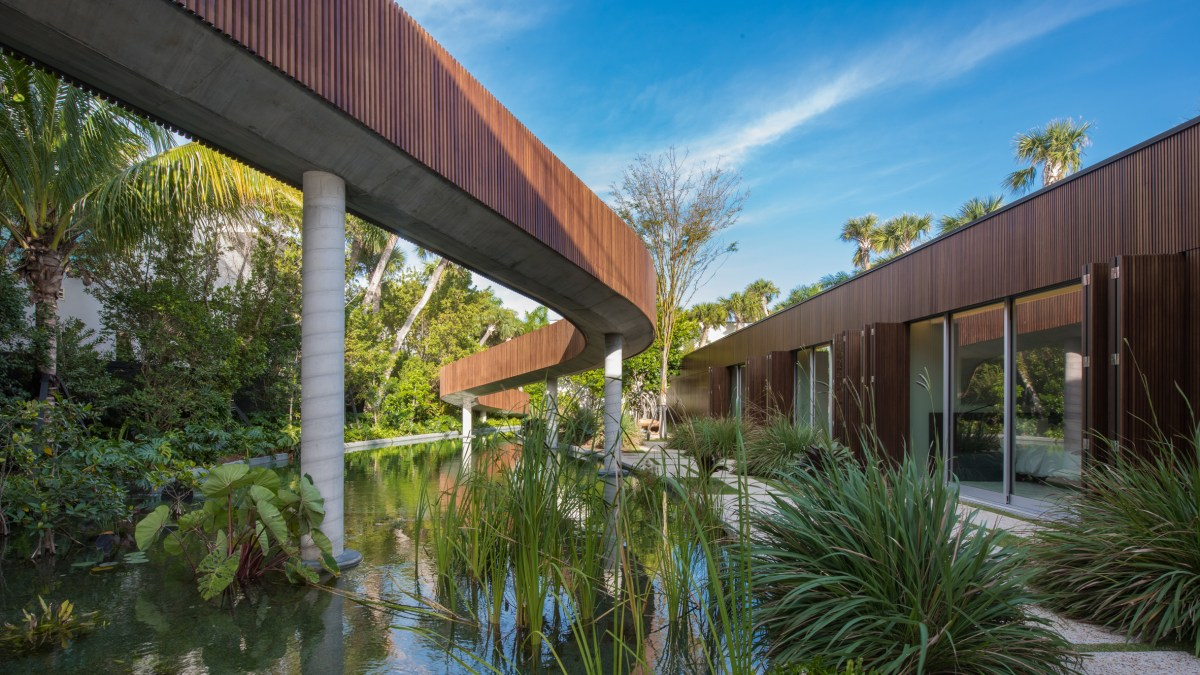home-swimmable-lagoon-studio-mk-27-architecture-residential-miami-moss-and-fog2
