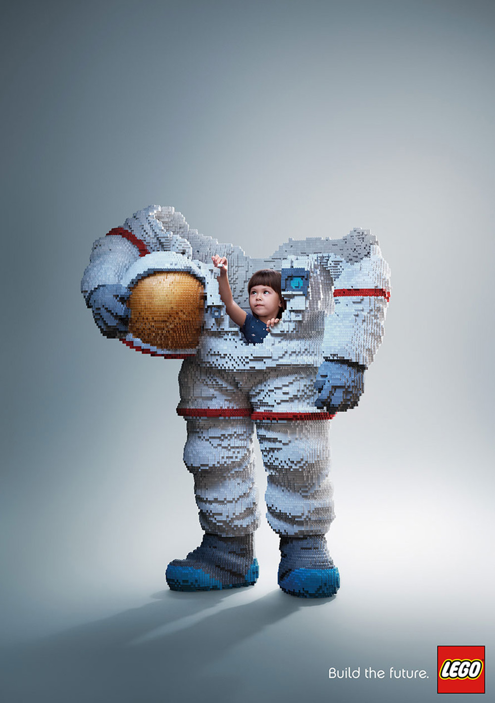 lego-astronaut moss and fog