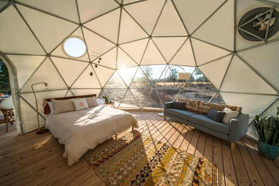 AirBnb solar eclipse stay