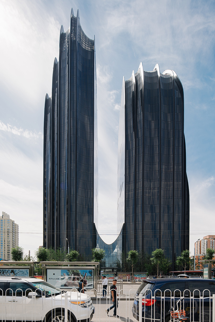 MAD-architects-chaoyang-park-plaza-moss and fog 4