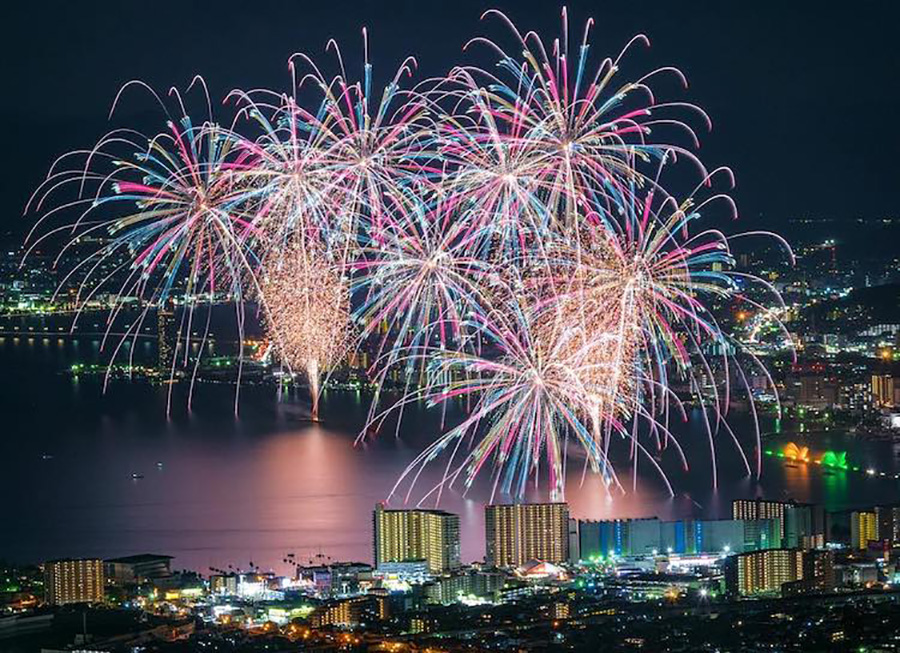 japanese fireworks moss and fog 5