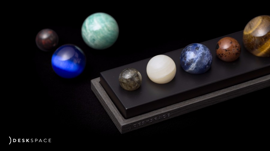 deskspace-planets-moss-and-fog-1