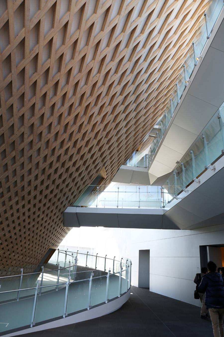 shigeru-ban-mt-fuji-world-heritage-centre-designboom-005