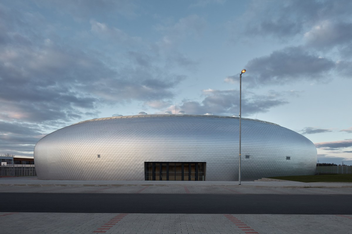 ovoid-sports-dome-moss-and-fog-14