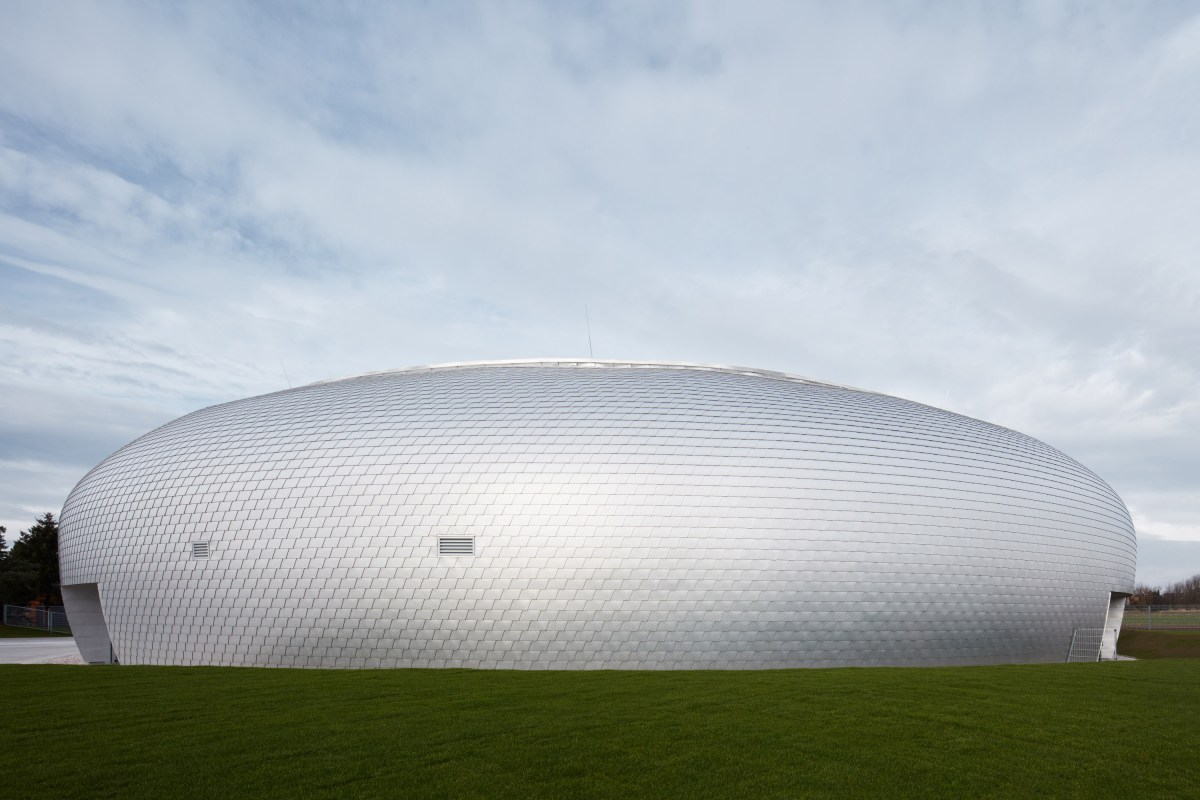 ovoid-sports-dome-moss-and-fog-15