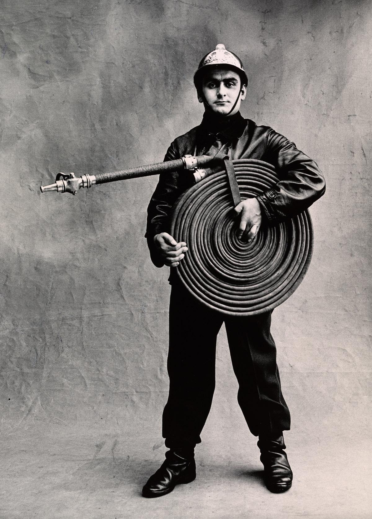 pompier_paris_1950_[fireman]