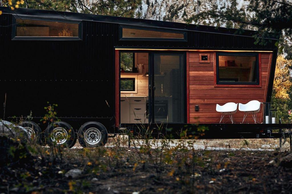 mid-century-modern-draper-RV-landark-designboom-04