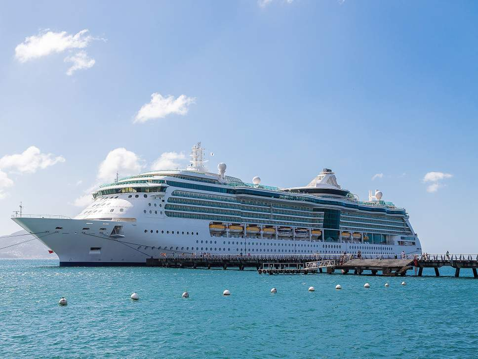 cruise-ship-docked