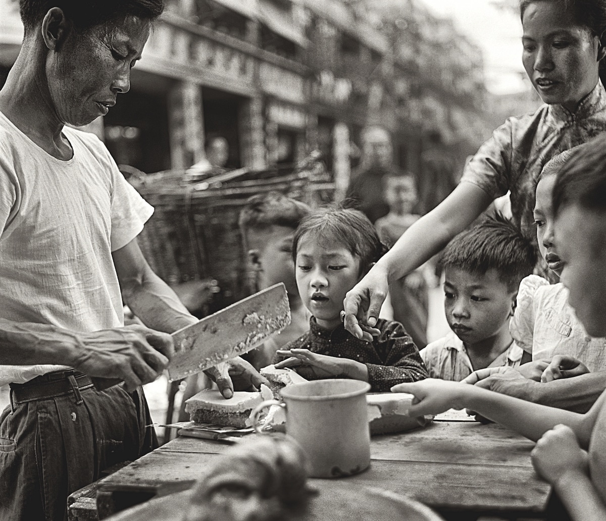 Street Photography from 1950's and 60's Hong Kong