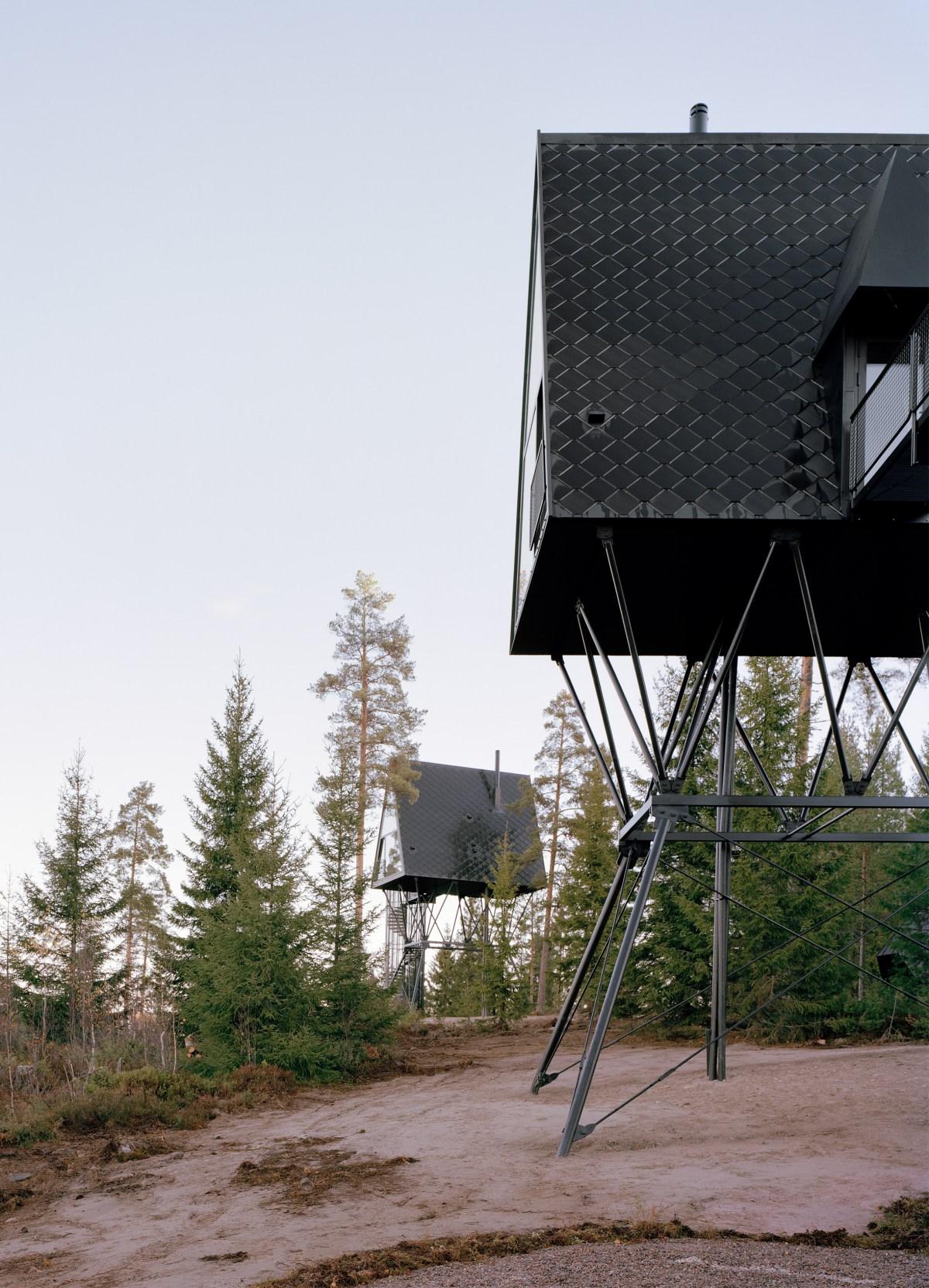 pan-treetop-cabins-espen-surnevik-woodland-architecture-norway-_dezeen_2364_col_11