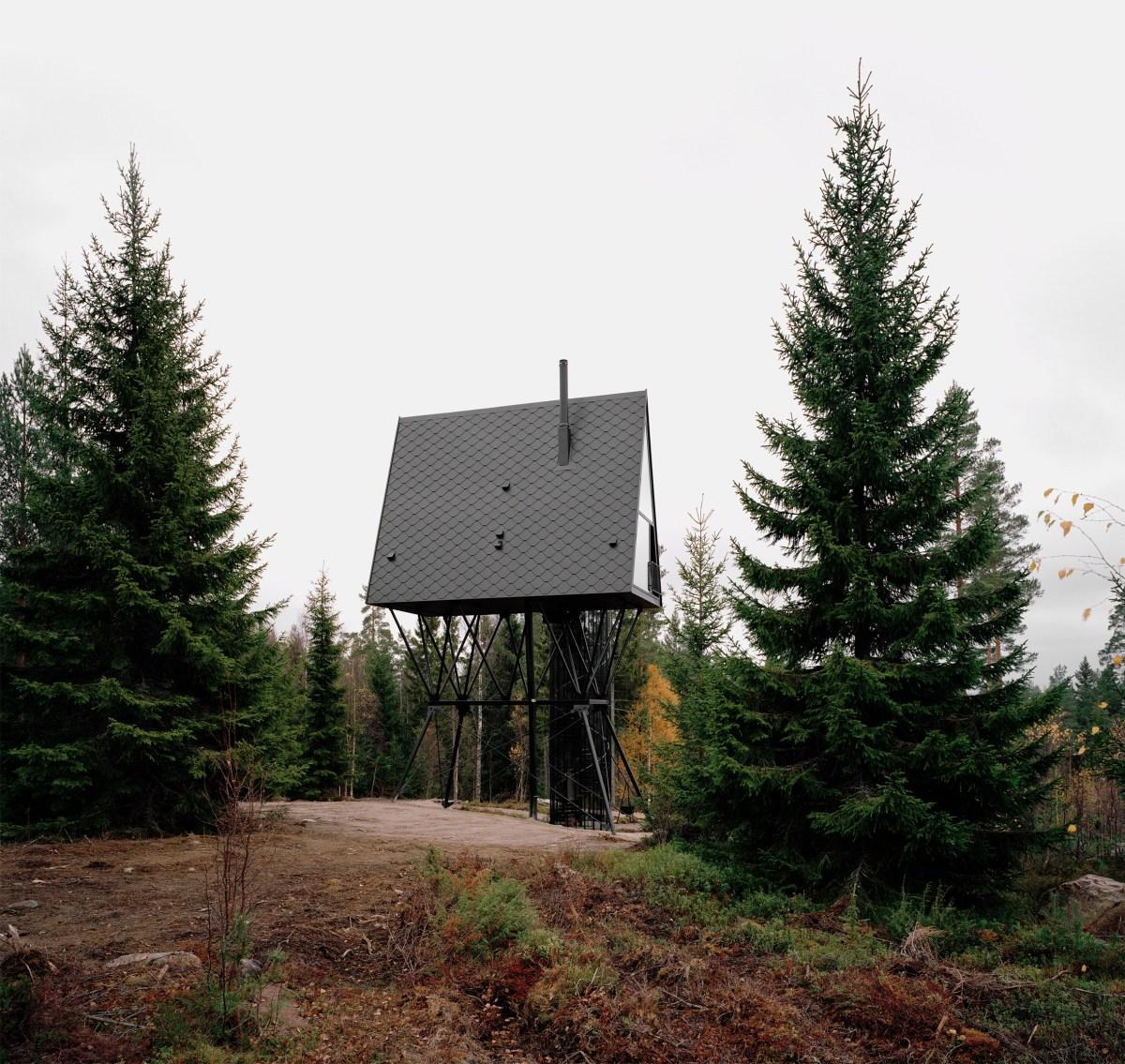 pan-treetop-cabins-espen-surnevik-woodland-architecture-norway-_dezeen_2364_col_2