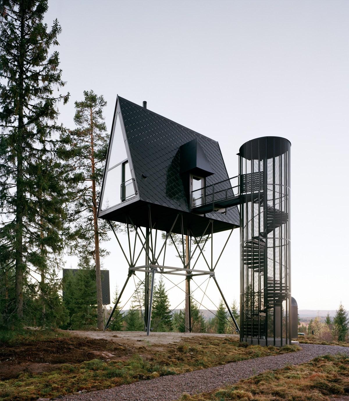pan-treetop-cabins-espen-surnevik-woodland-architecture-norway-_dezeen_2364_col_9