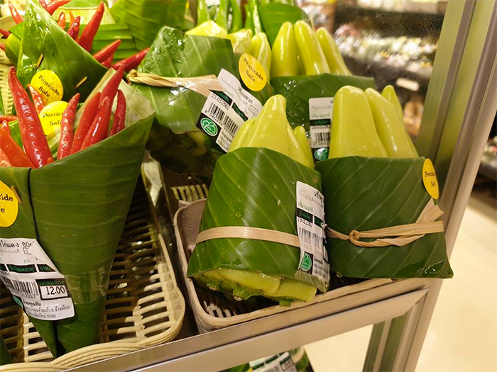 environment-ecology-supermarket-leaves-packing-plastic-reduce-thailand-13