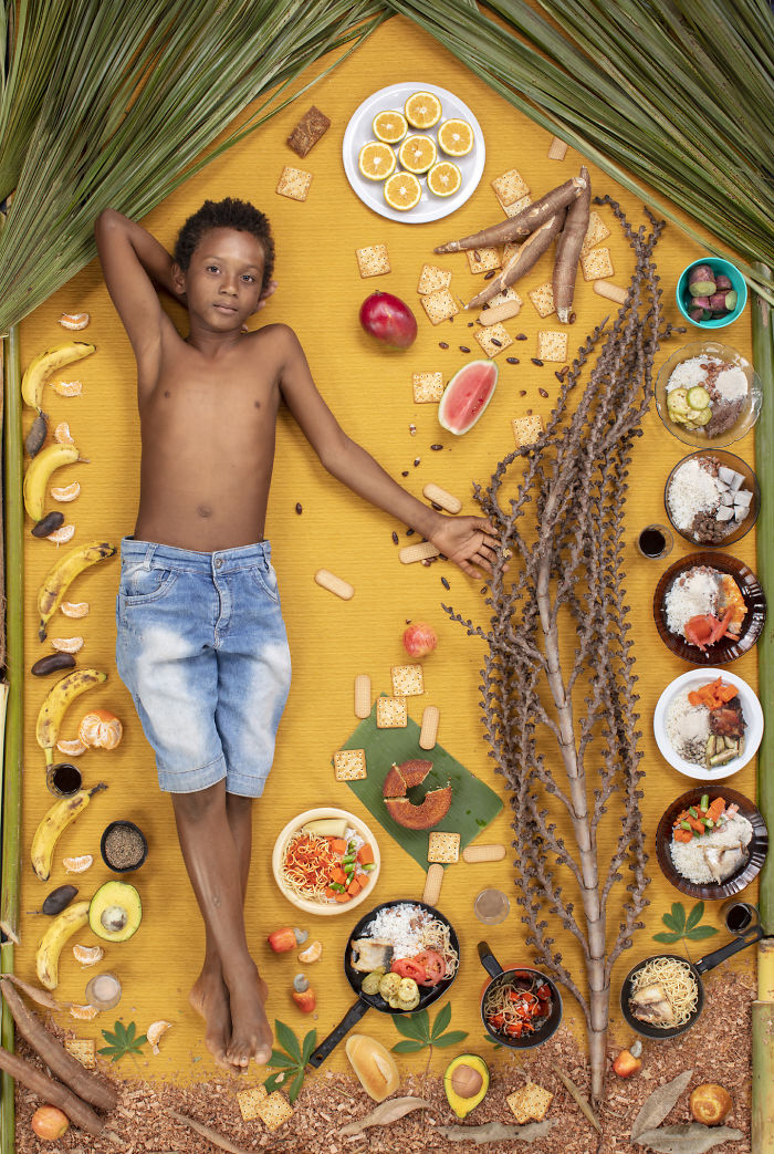 kids-surrounded-weekly-diet-photos-daily-bread-gregg-segal-6-5d11c0d9adcdf__700