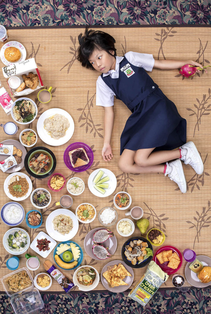 kids-surrounded-weekly-diet-photos-daily-bread-gregg-segal-7-5d11c0dcc6eb2__700