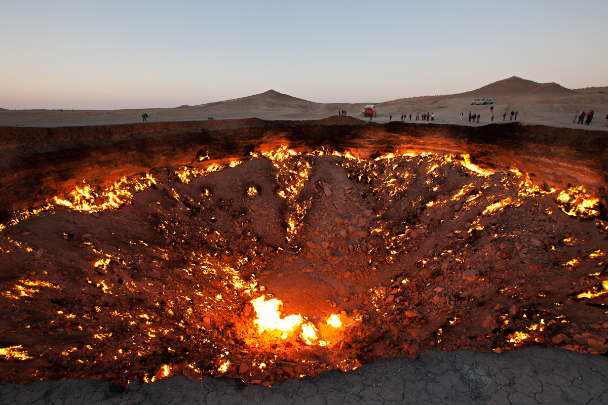 darvaza-crater-door-to-hell-turkmenistan-5