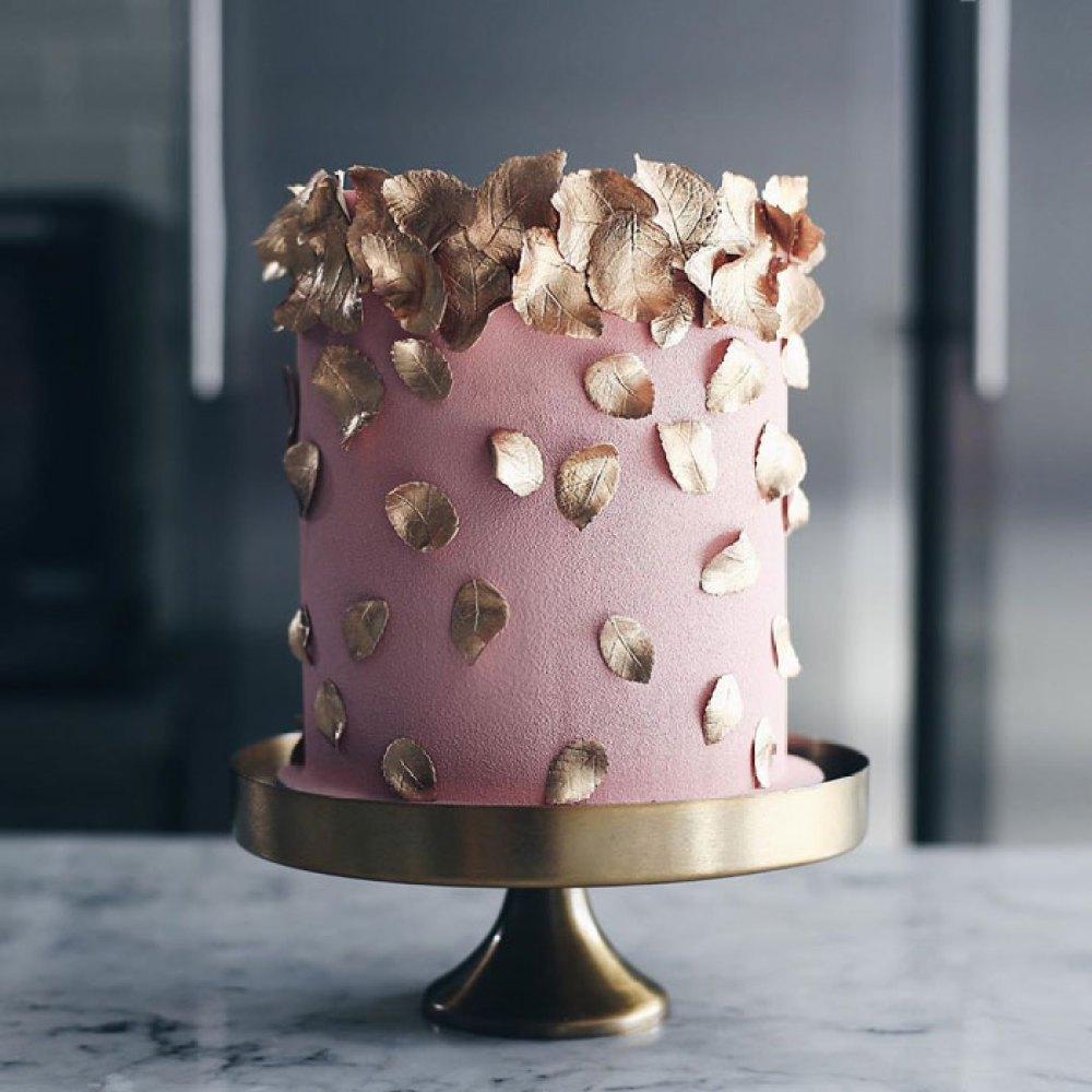 tortik-annushka-artistic-cakes-designs-27-5e82fdf9cf6ec__700