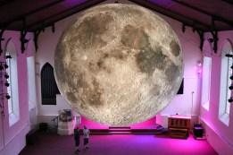 luke-jerram-museum-of-the-moon-moss-and-fog