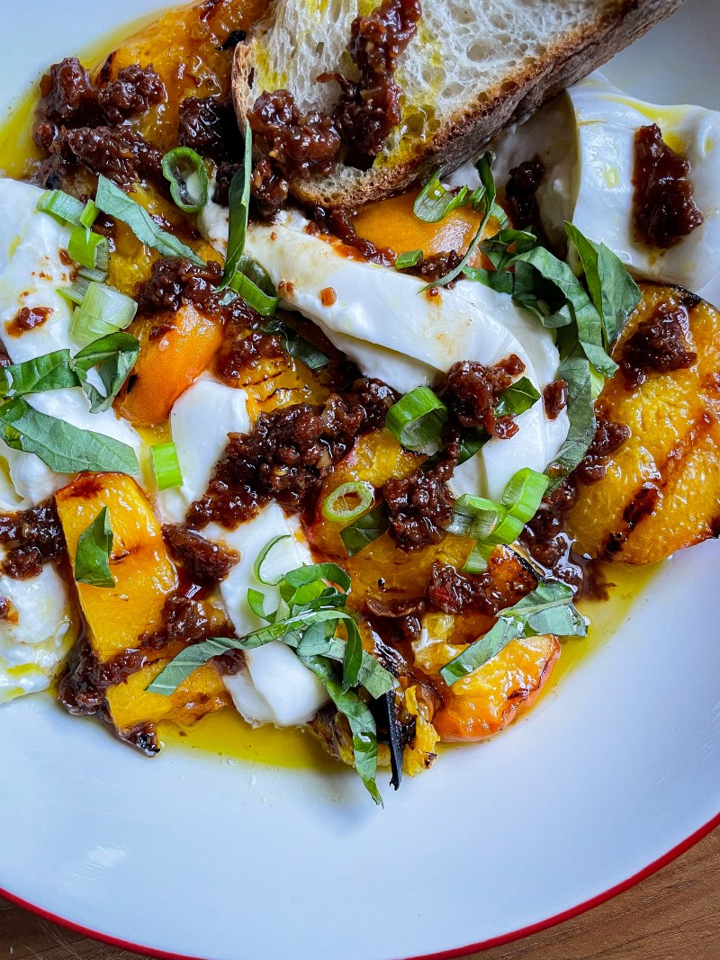 Grilled peaches with burrata and prosciutto XO