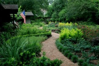 gardens-casual