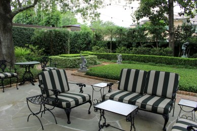 Piping Rock Historic Gardens - Seating