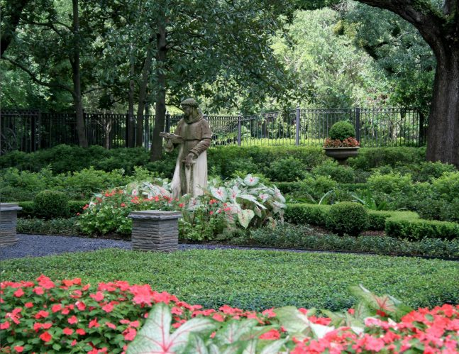Longfellow Gardens - Seasonal Color