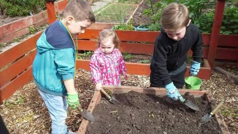 diggers a digging
