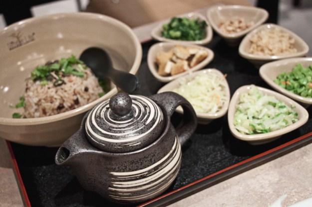 Simple Life Restaurant Review, Kuala Lumpur, Malaysia. Vegetarian and Vegan Food.