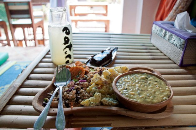 Vegan food guide of Koh Phangan, Thailand. Eat.Co