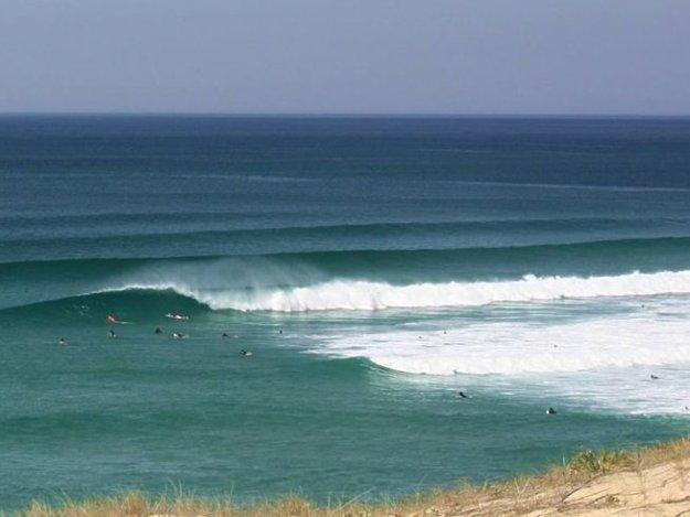 surf camp in France