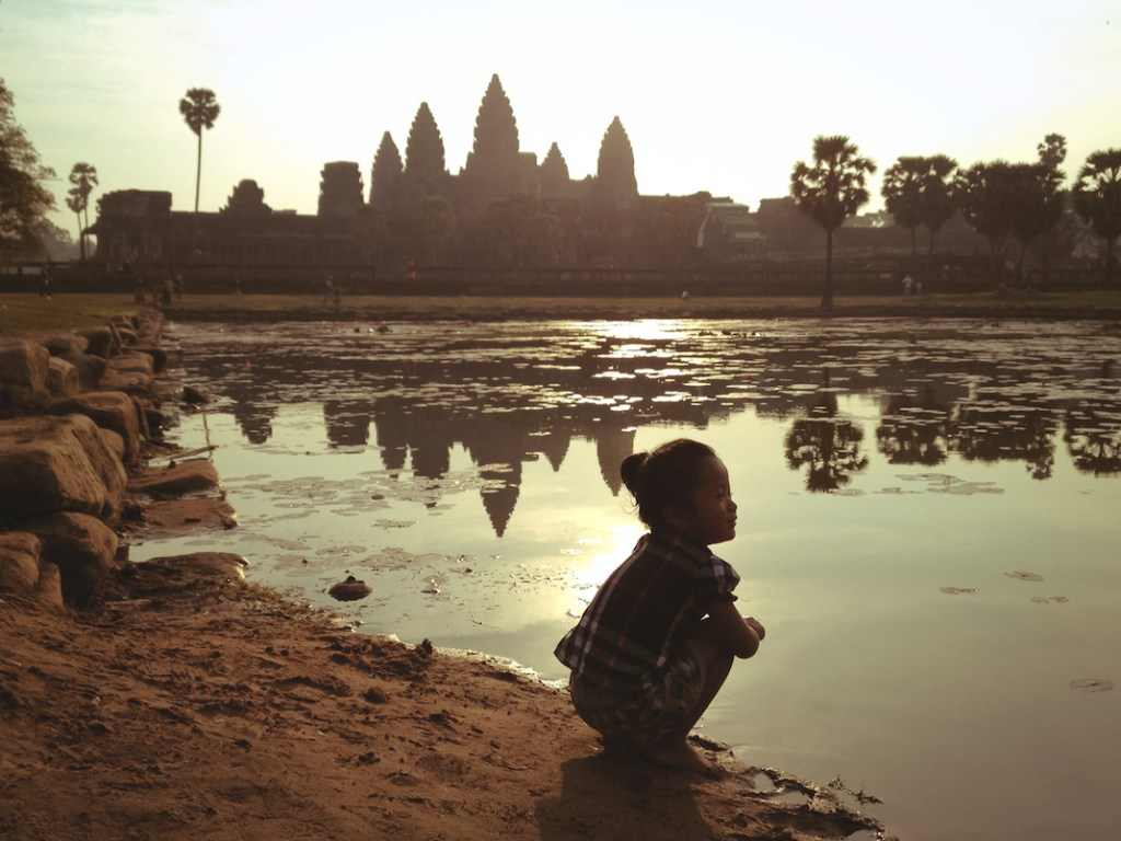 little-girl-cambodia-angkor-wat