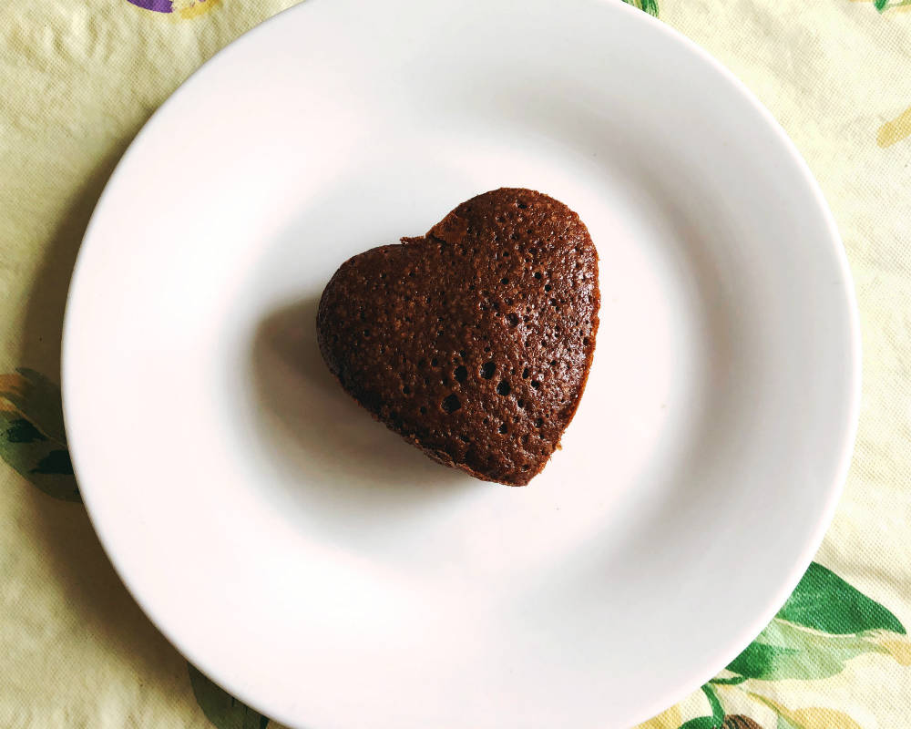heart-shaped chocolate brownie