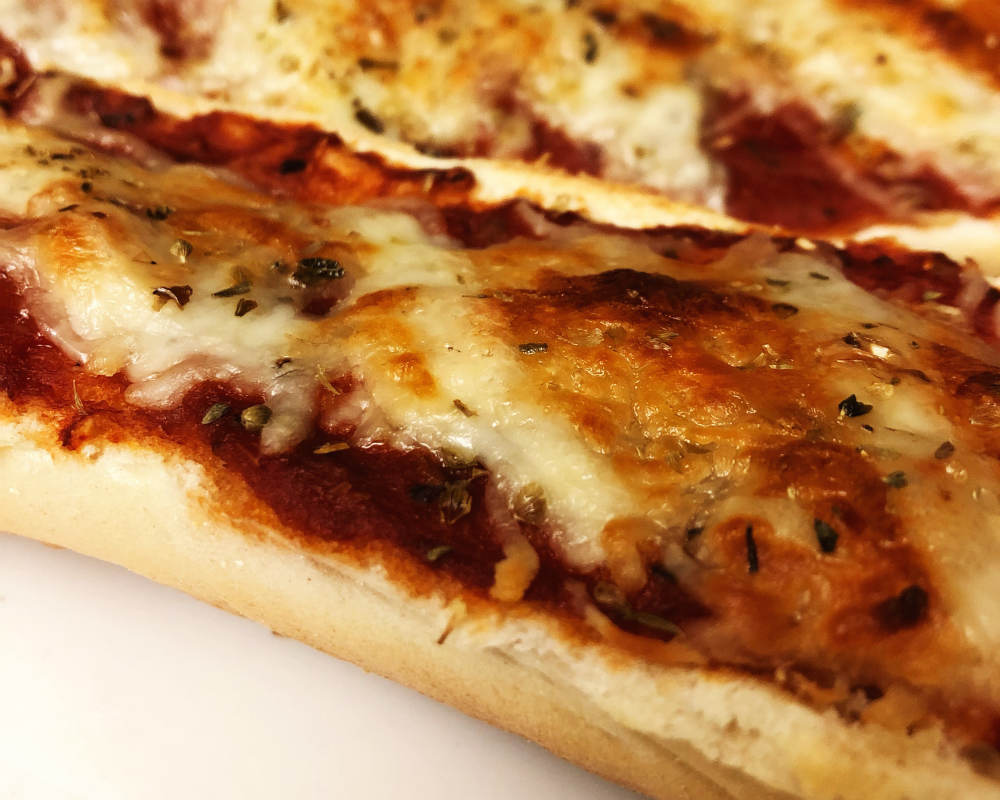 detail of pizza cheese