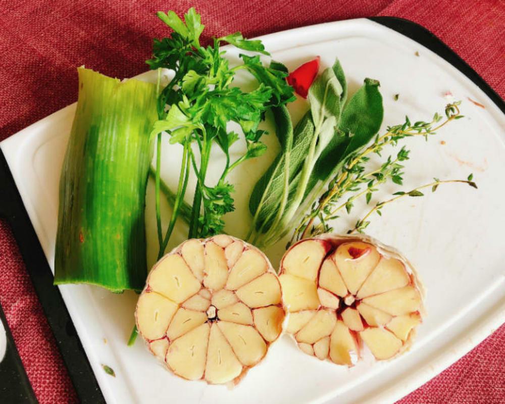 garlic broth ingredients