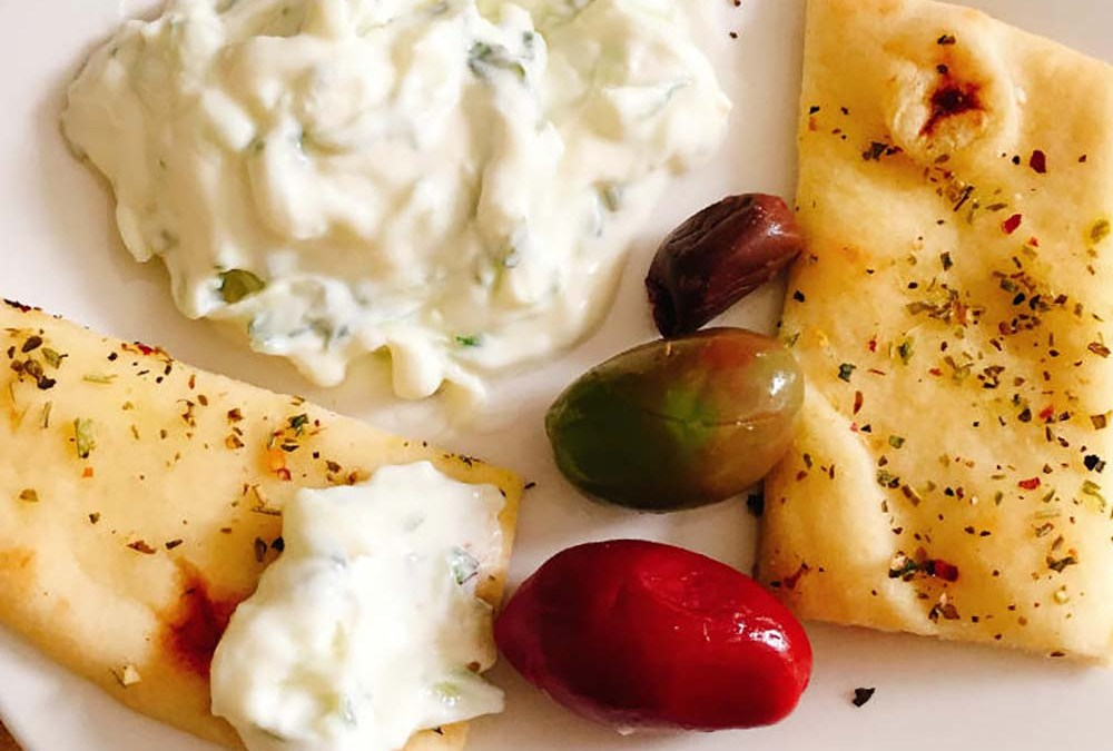 Tzatziki Sauce With Herbed Naan