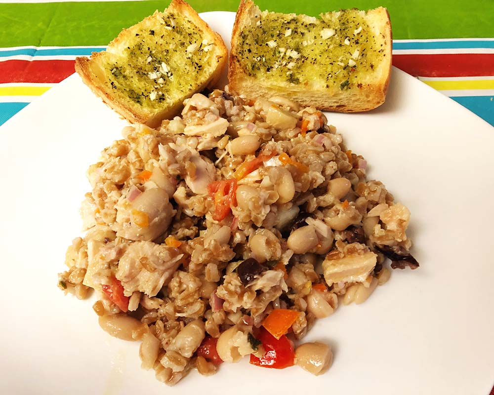 farro salad with garlic bread