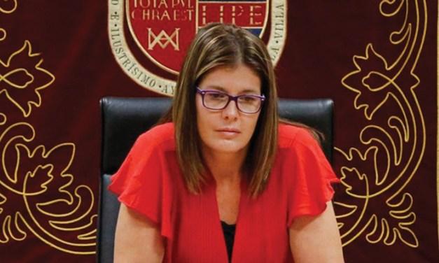 El Pleno de Móstoles, suspendido por el positivo de un familiar cercano de la alcaldesa
