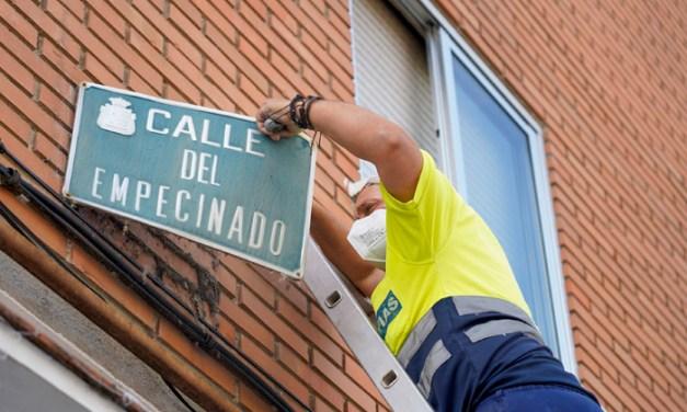 Móstoles instala 74 nuevas placas indicativas con los nombres de 26 calles