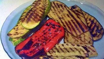 Si bien la carne es la gran protagonista de Fiestas Patrias, existen algunos vegetales que son acompañantes habituales del menú dieciochero.