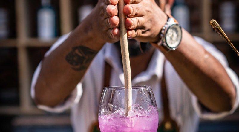 Pisco Capel desea celebrar el día del bartender
