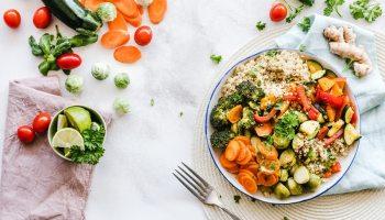 El chef Gabriel Cifuentes, referente en Trash Cooking, explica que en 8 pasos se puede lograr un consumo eficiente de alimentos en casa,