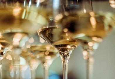 Un total de diez vinos blancos chilenos fueron destacados recientemente en la sección Premium de la revista inglesa Decanter.